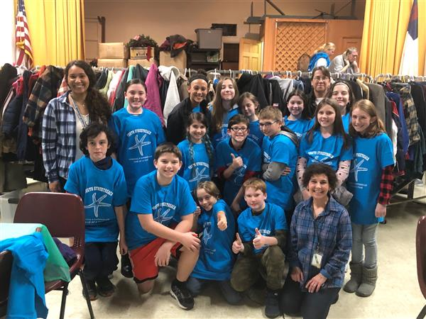 Monomoy Middle School students volunteer at Youth StreetReach